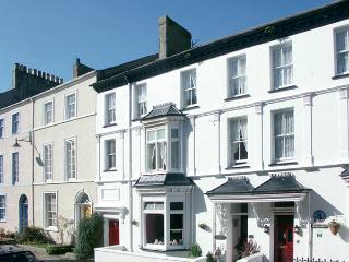 ISFRYN, pet friendly, character holiday cottage, with a garden in Caernarfon , Ref 1233 - Caernarfon vacation rentals