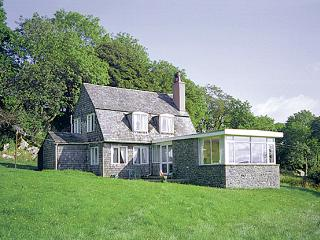 NETHERSCAR, pet friendly, country holiday cottage, with a garden in Ingleton, Ref 281 - Ingleton vacation rentals
