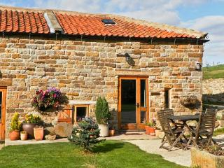 SWALLOW COTTAGE, pet friendly, character holiday cottage, with a garden in Staintondale, Ref 1196 - Staintondale vacation rentals