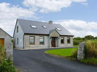 SERENE HOUSE, pet friendly, country holiday cottage, with a garden in Spanish Point, County Clare, Ref 2543 - County Clare vacation rentals