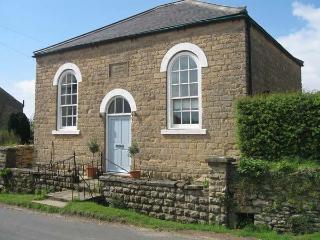ST. MARY'S MISSION ROOM, pet friendly, character holiday cottage, with a garden in Ebberston, Ref 2336 - Ebberston vacation rentals