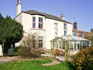 WALMSLEY HOUSE, pet friendly, character holiday cottage, with a garden in Bempton, Ref 2655 - Bempton vacation rentals