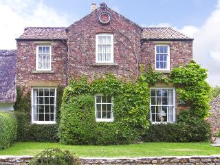 WAYSIDE HOUSE, country holiday cottage, with a garden in Harome, Ref 3536 - Harome vacation rentals