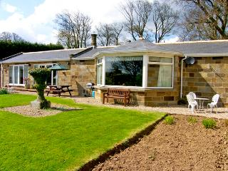 WEST WING, pet friendly, country holiday cottage, with a garden in Aislaby Near Whitby, Ref 2414 - Aislaby vacation rentals
