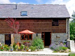 STABLE END, romantic, luxury holiday cottage, with a garden in Bucknell, Ref 2528 - Bucknell vacation rentals