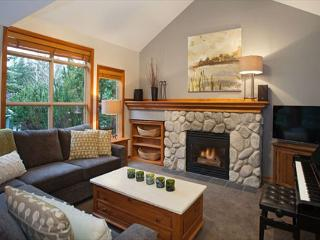 Arrowhead Point #5 |  2 Bed Reno'd Townhome with Private Hot Tub, Near Slopes - Whistler vacation rentals