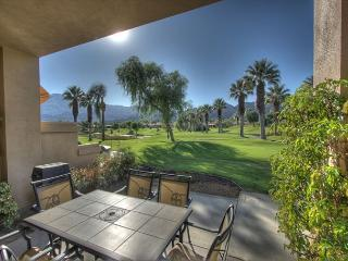 Beautiful property with golf course & mountain view - La Quinta vacation rentals