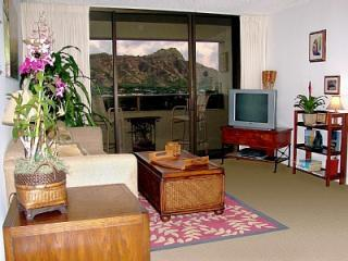 Spectacular Diamond Head Greets You When You Arrive! - Waikiki Sunset 2BR - DIRECT Diamond Head View! - Honolulu - rentals