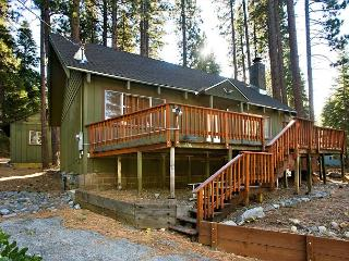 Comfortable, updated Mountain Style Cabin. - South Lake Tahoe vacation rentals