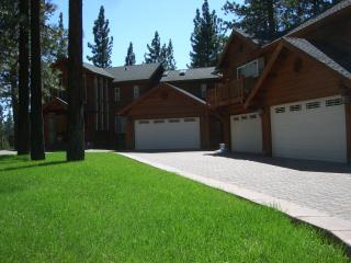 Deluxe 7 Bedroom Home - Hot tub, Wifi, at Heavenly - South Lake Tahoe vacation rentals