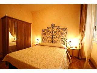 Alex's House 2009  Elegant apt  Vatican City, Rome - Rome vacation rentals