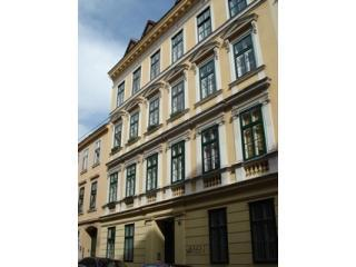 Unique family-run Apartment for four to five persons - central Vienna - Vienna vacation rentals