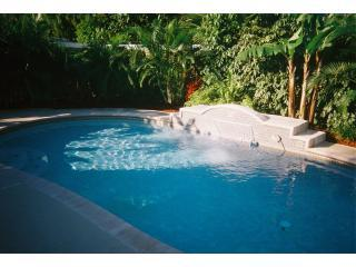 $225/nt, $1395/wk, Bargain, 3/2, Sleeps 6, Pool - Fort Lauderdale vacation rentals
