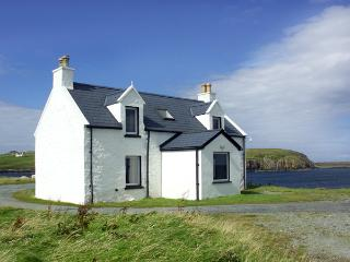 2 AND 3 BALMAQUEIN, pet friendly in Balmaquein, Isle Of Skye, Ref 1279 - Balmaquein vacation rentals