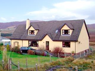 THE ANNEXE, pet friendly, country holiday cottage, with a garden in Portree, Isle Of Skye, Ref 2492 - Portree vacation rentals