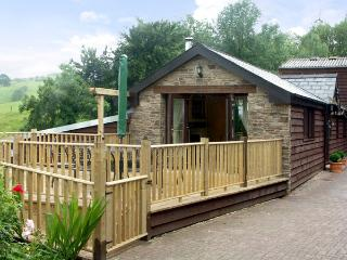 CWM DERW COTTAGE, romantic, character holiday cottage, with open fire in Llanafan Fawr, Ref 2186 - Llanafan Fawr vacation rentals