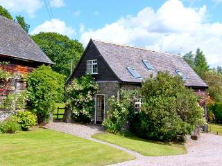 THE COTTAGE, pet friendly, country holiday cottage, with a garden in Llanfechain, Ref 2416 - Llanfechain vacation rentals