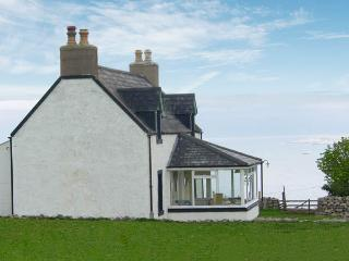VIEWFIELD, family friendly, with a garden in Durness, Ref 3009 - Durness vacation rentals