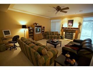 Living Room - Home Away From Home - 2 BR suite - Sleeps 6 - Kelowna - rentals