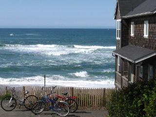 Bellaview~ Ocean Front - Depoe Bay vacation rentals