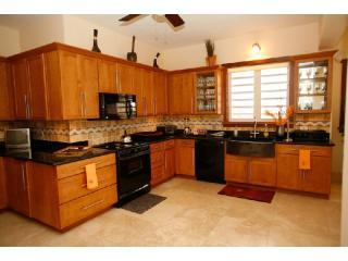 full sized modern kitchen - Little Butterfly - The Valley - rentals