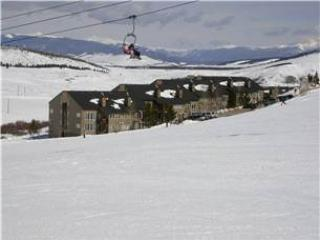 MOUNTAINSIDE 102-Deluxe - Image 1 - Granby - rentals