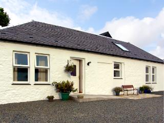 DARNHAY COTTAGE, family friendly, character holiday cottage, with open fire in Mauchline, Ref 2289 - Ayrshire & Arran vacation rentals