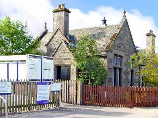 THE OLD STATION, pet friendly, character holiday cottage, with a garden in Newtonmore, Ref 2551 - Aviemore and the Cairngorms vacation rentals