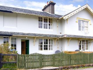 5 LARACHBEG, pet friendly, country holiday cottage, with a garden in Lochaline, Ref 2985 - Oban vacation rentals