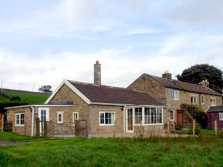 HURY LODGE, pet friendly, luxury holiday cottage, with a garden in Baldersdale, Ref 1933 - County Durham vacation rentals
