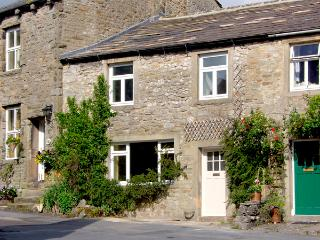 SANDY COTTAGE, pet friendly, luxury holiday cottage, with a garden in Linton, Ref 2580 - Cambridgeshire vacation rentals