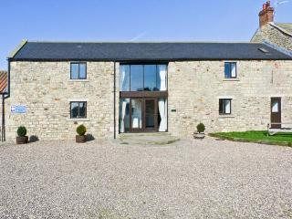 MILLSTONE, pet friendly, character holiday cottage, with a garden in Staindrop Near Barnard Castle, Ref 897 - County Durham vacation rentals