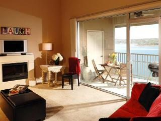 Luxury 3BR/BA Lakefront Condo: 180 Degree Views! - Branson vacation rentals