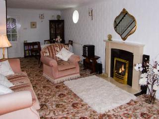 BEAMSLEY VIEW, romantic, country holiday cottage, with a garden in Addingham, Ref 2901 - Addingham vacation rentals