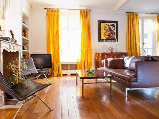 Charming Luxury Apt. in the 6th, Steps to it All! - Clichy vacation rentals