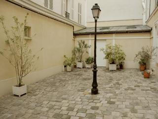 Montparnasse - by Holidays France Rentals - Paris vacation rentals