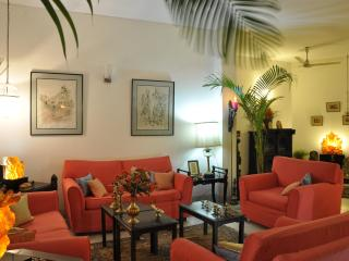 Comfortable,exquisite food,secure,5 star B&B - New Delhi vacation rentals