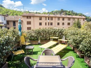 Terrazza Verde. Car Unnecessary. Rome 1 hr 15 mins - Spoleto vacation rentals