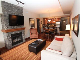 You'll Love this 2 Bedroom Upscale Canmore Condo - Canmore vacation rentals