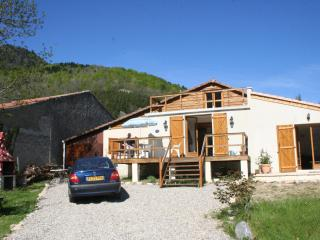 Set in Pyrenees with stunning mountain views - Carcassonne vacation rentals