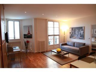 Luxury Designer Apartment 2' walk Champs Elysées - 8th Arrondissement Élysée vacation rentals