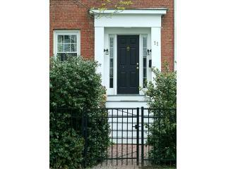M802 1 C front doorway new web - Bird House Suite (M802) - Boston - rentals