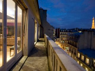 026U Roof Top Townhouse - 8th Arrondissement Élysée vacation rentals