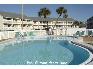 20 Steps to Pool - (2014 @ 2013 Rates) Beaches, Boats, Golf & Tennis - Destin - rentals