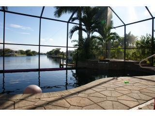 6 Bdrm with Southern Exposure Vanishing Edge Pool - Cape Coral vacation rentals