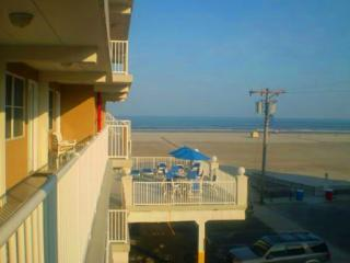 Great family friendly condo! Steps from the beach! - Jersey Shore vacation rentals
