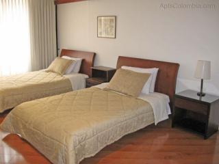2 mins to Unicentro Mall 5 star gated community - Bogota vacation rentals