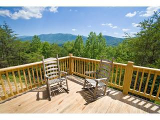 Above it All - Free Wi-Fi, Pool/Gym, & Mtn Views! - Townsend vacation rentals