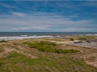 B-328 Beach Escape - Image 1 - Virginia Beach - rentals