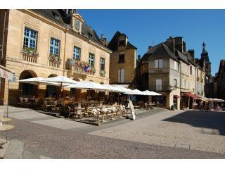 Au Pied du Marché character appartment in medieval Sarlat,Perigord - Dordogne Region vacation rentals